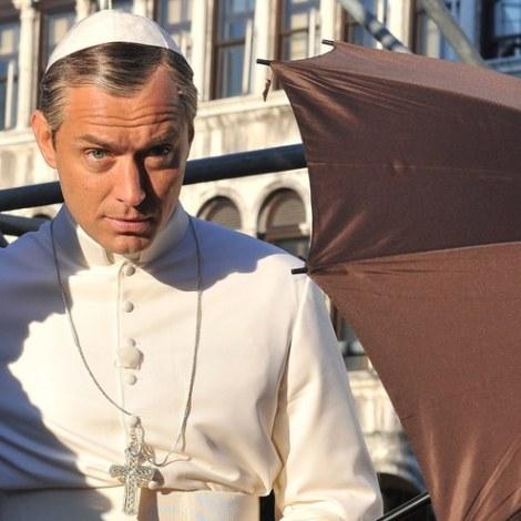 judd-law-pope-costume