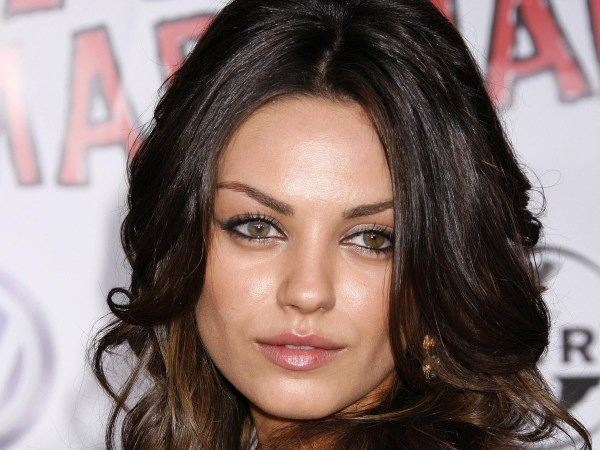 Mila Kunis Lives 'mediocre Lifestyle' ' Lavish' Hollywood Hiccups