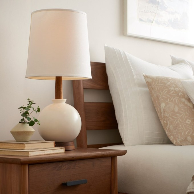 Traditional Bed Lamp