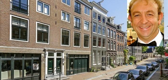 BINNENKIJKEN bij woedende acteur JOH VAN EERD die gedwongen door coronacrisis zijn Amsterdams appartement verkoopt voor net geen miljoen