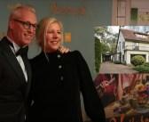 BINNENKIJKEN – Pech voor tv-kok Rudolph van Veen: huwelijk uitgesteld en ook nog onverkoopbaar huis