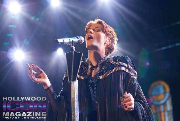 Florence + The Machine, bathed in light in Santa Barbara. Photo: JB Brookman