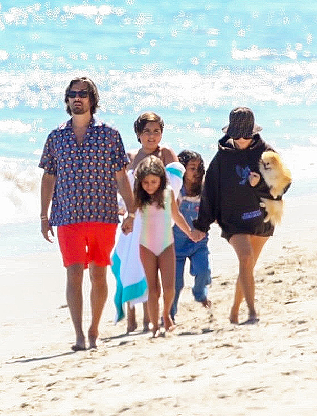 Kourtney Kardashian & Scott Disick: How They Co-Parent ...