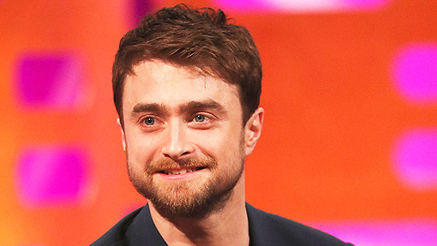 Daniel Radcliffe Talks 'Harry Potter' Monkey Moment: Video – Gadget Clock