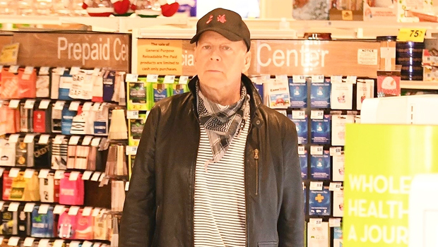 Bruce Willis Asked To Leave Pharmacy After Not Wearing Mask – Gadget Clock