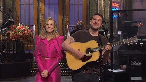 Carey Mulligan's Husband Marcus Mumford Hilariously Crashes Her 'SNL' Monologue With His Guitar