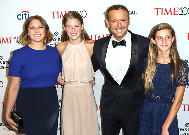 Tim McGraw and daughters