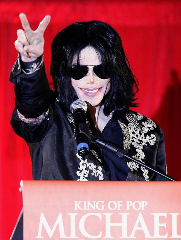 «Майкл Джексон виновен, но дети были взволнованы быть там и это их не убило», заявила певица Барбара Стрейзанд после просмотра фильма «Покидая Неверленд».