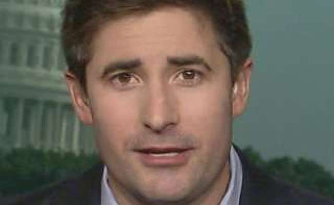 Jonathan Swan Age 33 Married To Partner Betsy Gay Talks