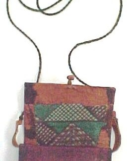 ACE VENTURA WHEN NATURE CALLS: Tribal Box Necklace