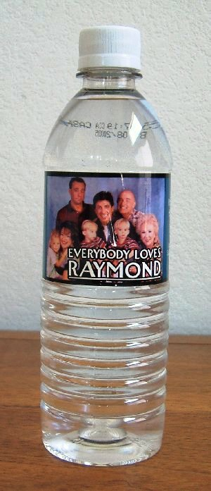 EVERYBODY LOVES RAYMOND: Bottled Water w/cast Pic