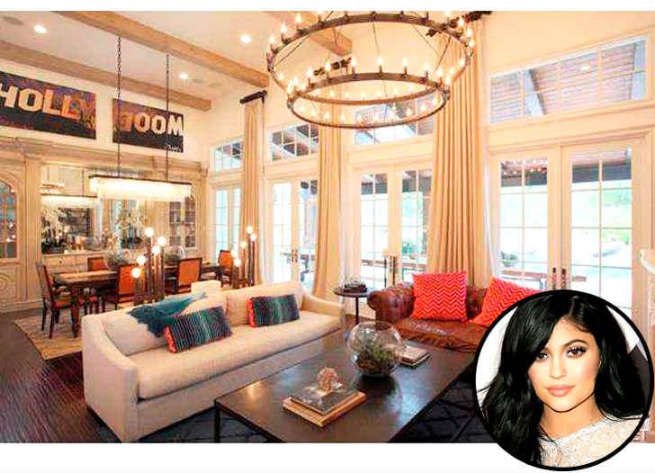 カイリー・ジェンナー、3億円豪邸を17歳にして購入