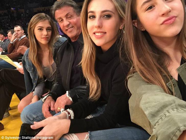 シルベスタ・スタローンと娘達
