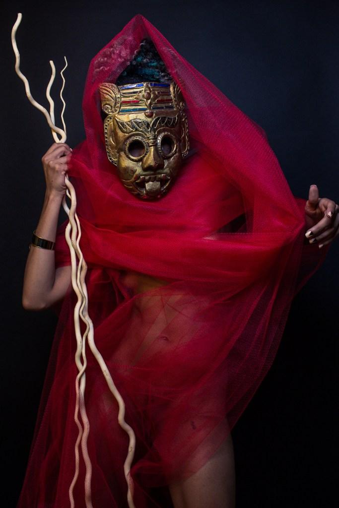 Aquarius Funkk, Gold Mask