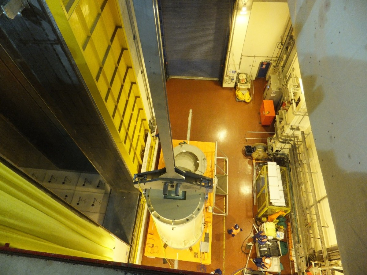 HI-TRAC Transfer Cask Being Lifted into Flask Preparation Bay