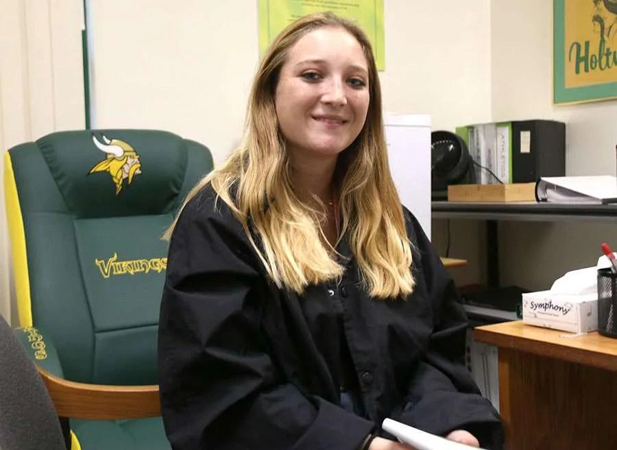 Anne Britschgi, Holtville Vikings Kicker