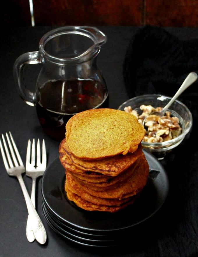 Vegan Carrot Cake Pancakes #vegan #carrot #carrotcake #pancakes #breakfast HolyCowVegan.net