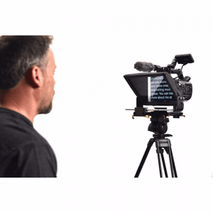 Teleprompter for online activists