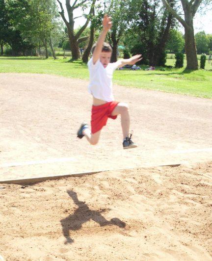 Billy Long Jump (2)