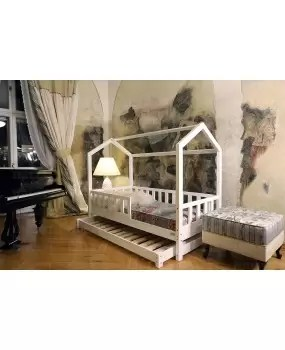 mon lit cabane avec barrieres bella lit avec deuxieme couchage dans le style scandinave