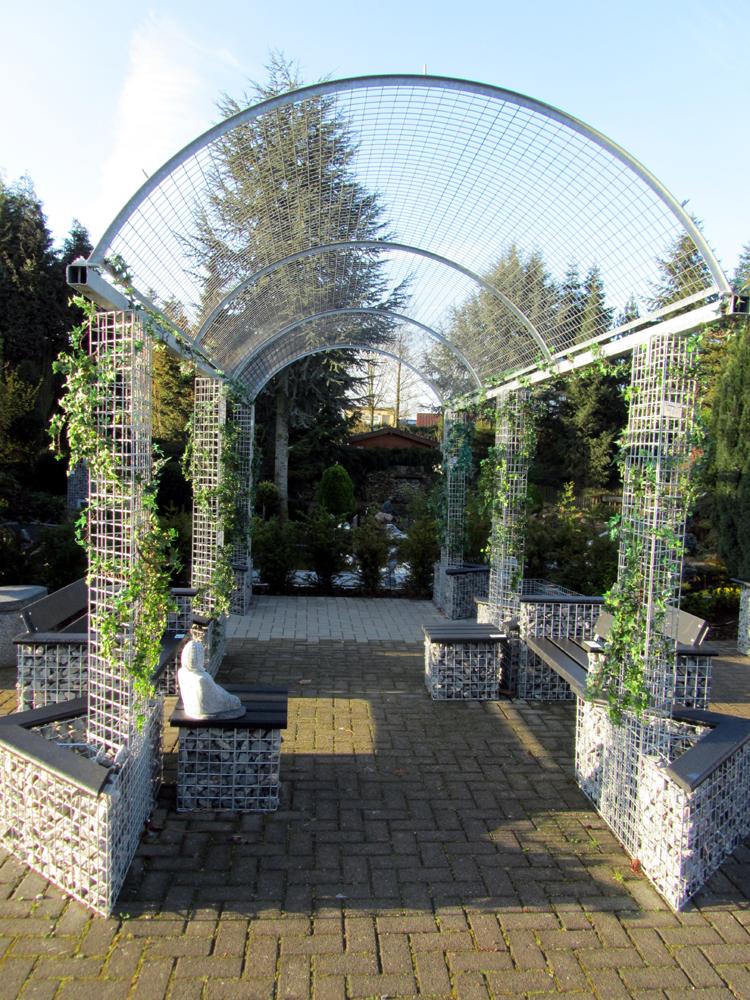 Gabionen 2011 Steine im Gitter als Gartendekoration  holzumblog