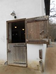 Tirolerhaus - Zugang Stallungen