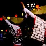 夜の阿波踊り、踊る女性