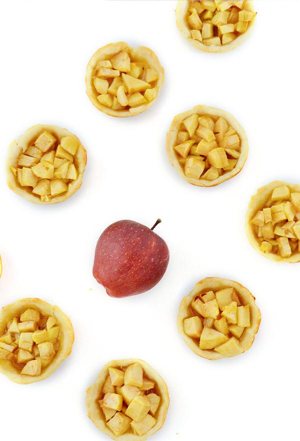 Apple_Pie_Bites_Tall_wkjxtn
