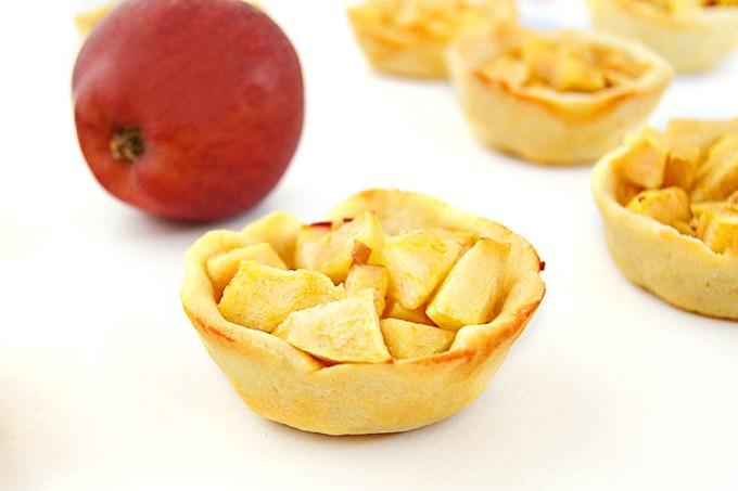 Apple_Pie_Bites_Wide_2_hs3hvm
