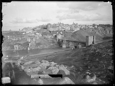 2CA-0411-VI Vista panorámica de Toledo desde el oeste
