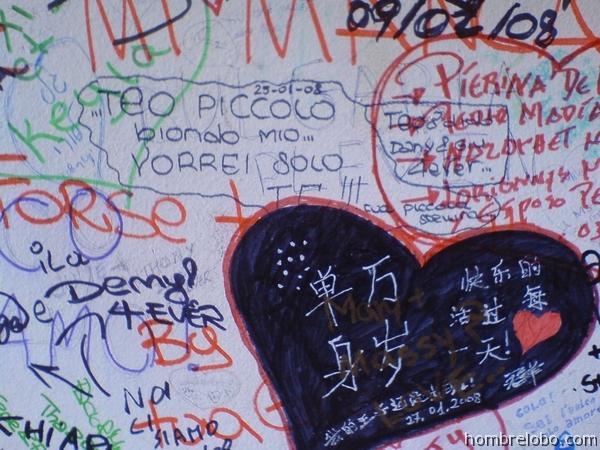 Mensajes de amor en la Casa de Julieta en Verona