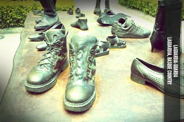 Zapatos de viajero en Laguardia, Rioja Alavesa