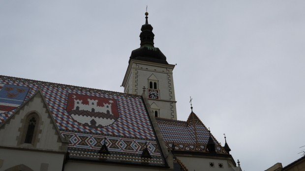 Detalle del techo de la iglesia de Sv. Marka o San Marcos en Zagreb III