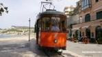 Tranvía de Sóller, en pleno recorrido desde el Port de Sóller hasta la ciudad