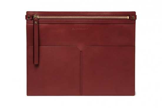 burberry-leather-document-holder-01-620x413