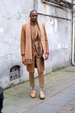 moda en la calle, otoño en camel (7)