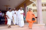 Hombuja-Jain-Math-Dharmasthala-Veerendra-Hegde-Visit-0007