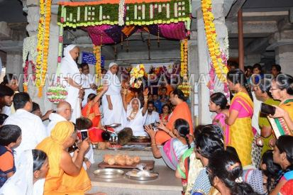 Humcha-Hombuja-Nithyashree-Mathaji-Deeksha-0007