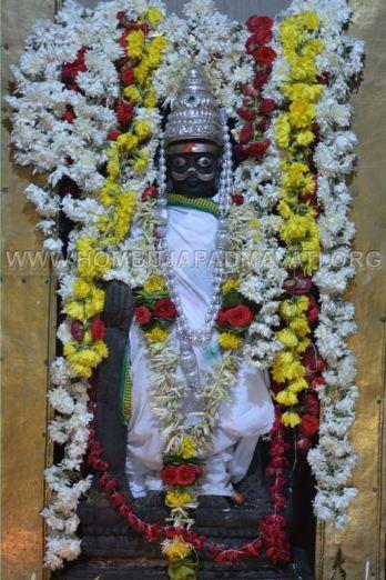 Humcha-Hombuja-Nithyashree-Mathaji-Deeksha-0022