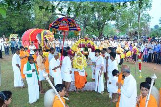 Hombuja-Jain-Math-Humcha-Navarathri-Dasara-Celebrations-Pooja-Day-10-Banni-Mantapa-0019