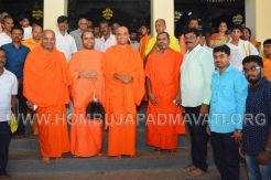 Hombuja-Humcha-Jain-Math-Visit-Nirmalananda-Swamiji-Adichunchanagiri-0021