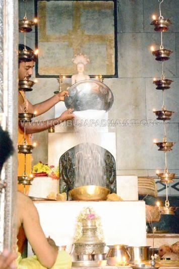 Akshayatritiya-Pooja-Humcha-Hombuja-Jain-Math-18th-April-2018-0012