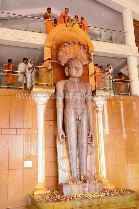 Guddadada-Parshwanath-Basadi-Jain-Temple-Abhisheka-Humcha-Hombuja-Jain-Math-18th-March-2018-0015
