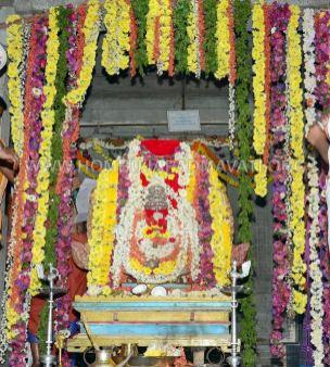 Hombuja-Humcha-Jain-Math-Rathyatra-Day-02-Simhavahanotsava-0013
