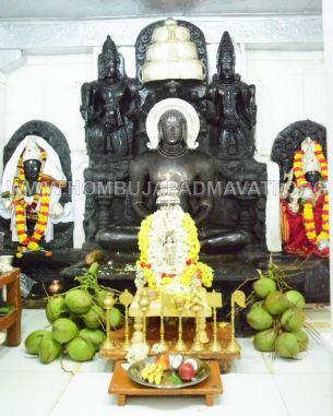 Hombuja-Humcha-Jain-Math-Rathyatra-Evening-0001