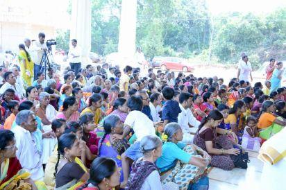 Humcha-Hombuja-Jain-Math-Rathotsava-Day-05-Guddada-Basadi-Parshwanath-Tirthankar-Abhisheka-0002