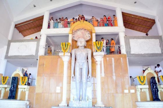 Humcha-Hombuja-Jain-Math-Rathotsava-Day-05-Guddada-Basadi-Parshwanath-Tirthankar-Abhisheka-0004