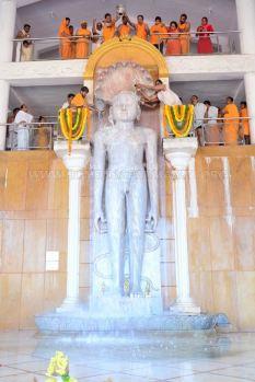 Humcha-Hombuja-Jain-Math-Rathotsava-Day-05-Guddada-Basadi-Parshwanath-Tirthankar-Abhisheka-0011