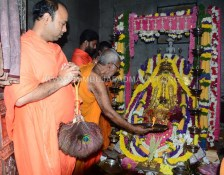 Hombuja-2018-Shravanamasa-Pooja-4th-Friday-07-09-2018-0014