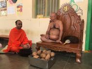 Jain-Muni-Acharya-Sri-Vardhamansagarji-Maharaj-Invited-to-Humcha-Hombuja-by-Deevendrakeerthi-Swamiji-0006